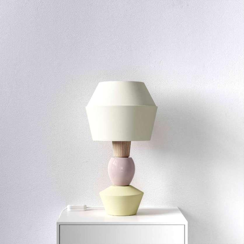 Lampada da tavolo modulare con paralume color crema