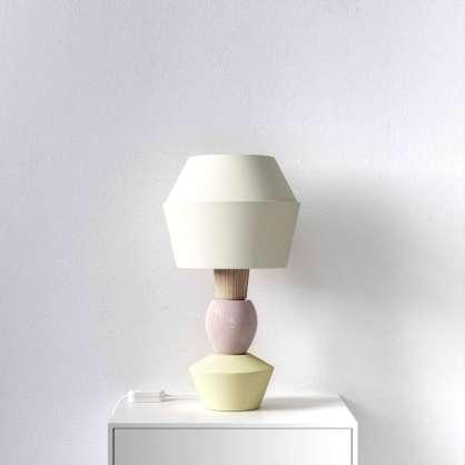 Modulare Tischlampe mit cremefarbenem Schirm