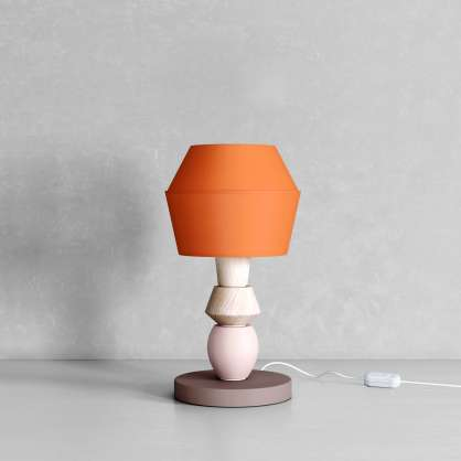 Modulare Lampe mit geometrischen Formen