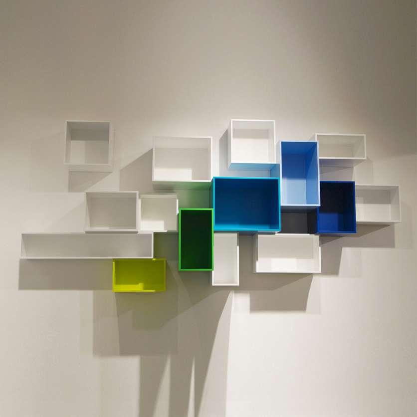 Étagère modulaire murale colorée