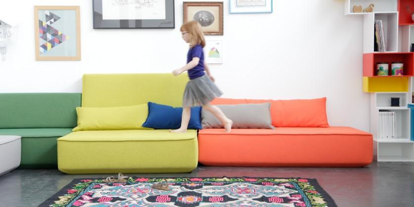 Crossover: divano modulare di diverse profondità e larghezze