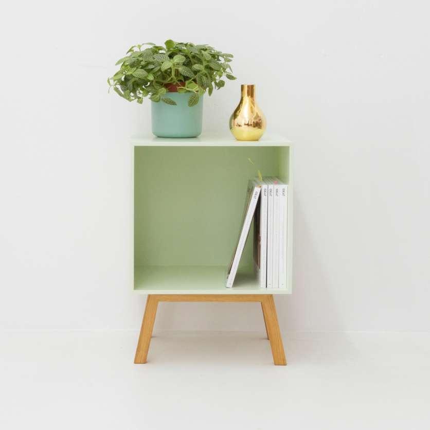 Modernes, minzgrünes Mini Sidebord
