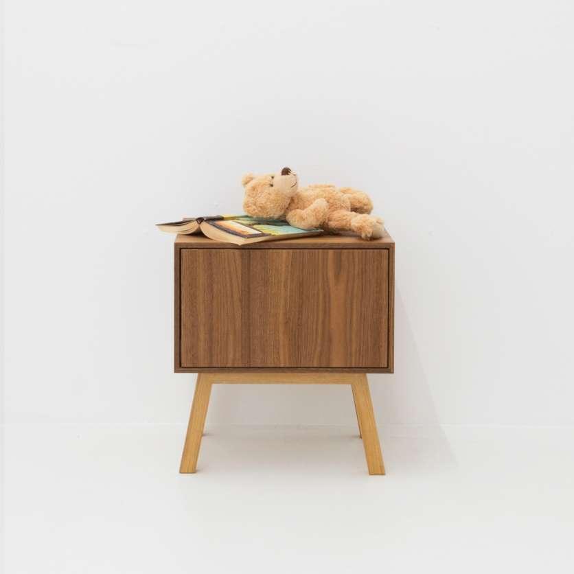 Table de nuit en bois avec tiroir