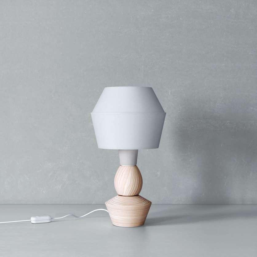 Lampe à poser moderne en bois naturel avec abat-jour gris