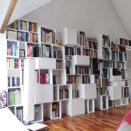 Immense bibliothèque modulable blanche