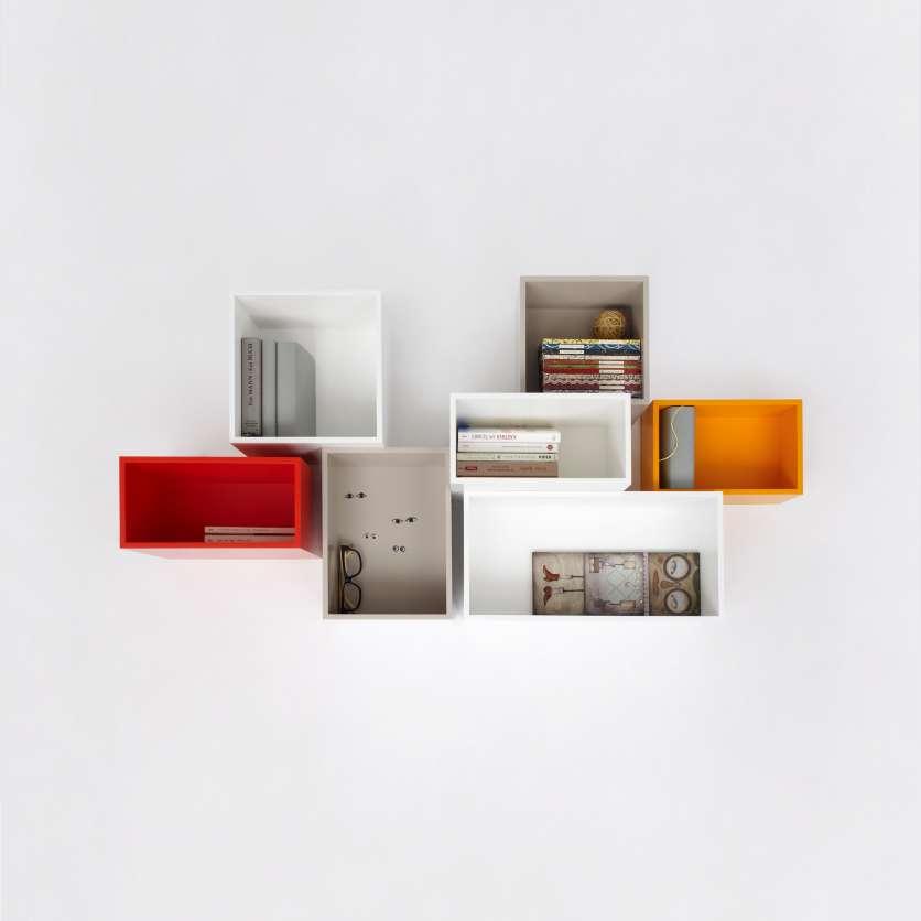Hängendes Bücherregal weiss, orange, rot
