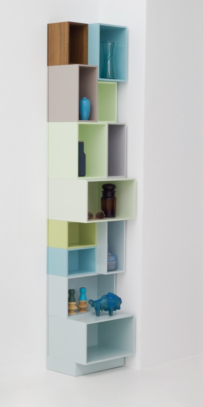 Narrow shelving for alcoves in the New Nordic look