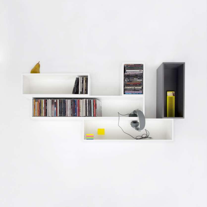 Hängendes, weißes CD-Regal