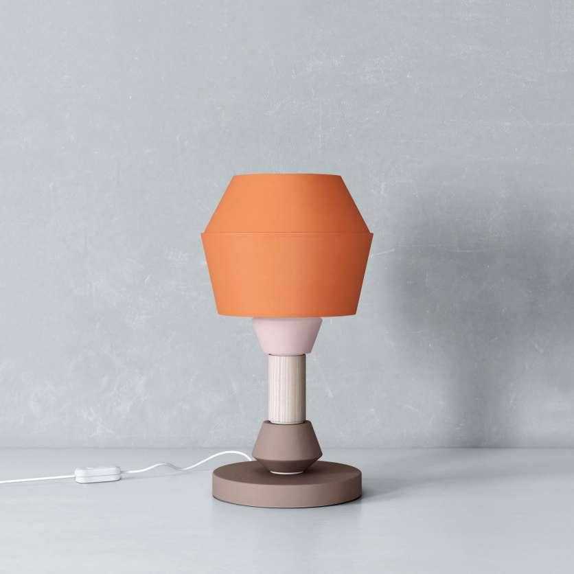 Lampada da tavolo con paralume conico arancione