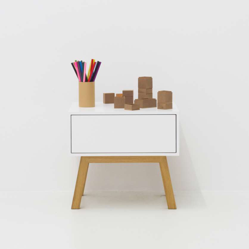 Everything tidy: mini sideboard in white