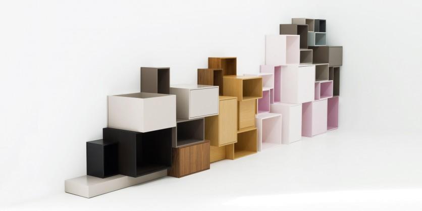 Viel Raum für Fantasie: das modulare Bücherregal
