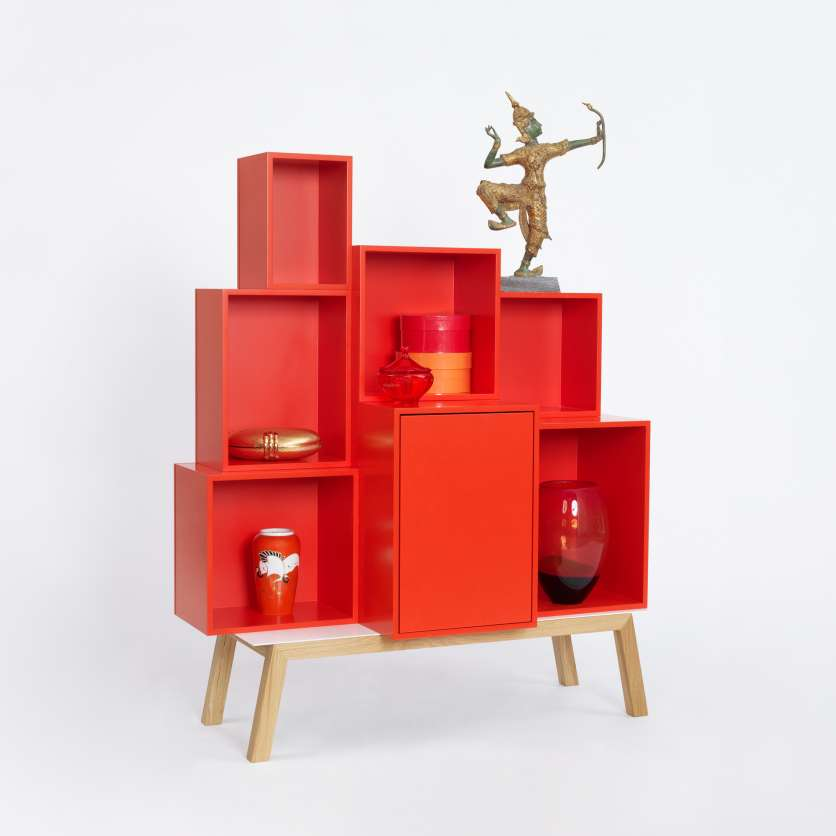 Sideboard in Feuerrot