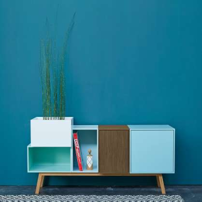 Credenza larga 120 cm con gambe inclinate
