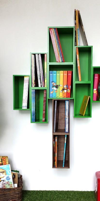 Abstrakt: grünes Regal