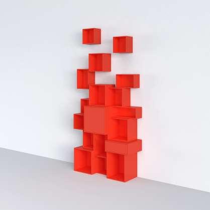 Bücherregal rot lackiert
