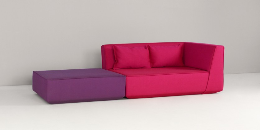 A corner sofa and a seating element are all you need to create a chaise-longue