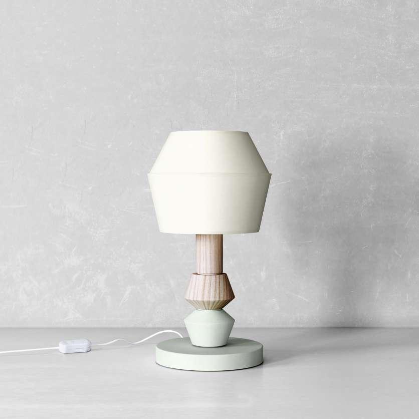 Lampe esprit scandinave moderne en bois et peinture vert pastel