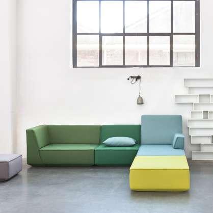 Sofa mit Récamière aus gelben, blauen und grünen Stoffen