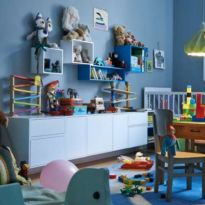 Wall-mounted sideboard in children's room