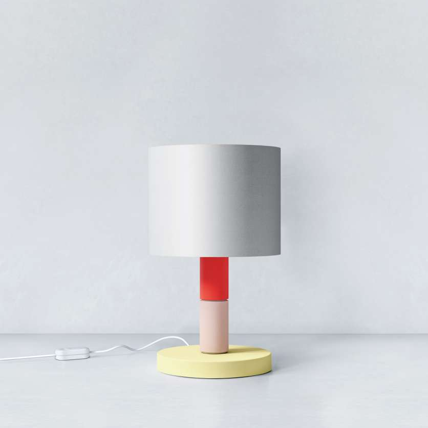 Lampada da tavolo composta da diversi moduli