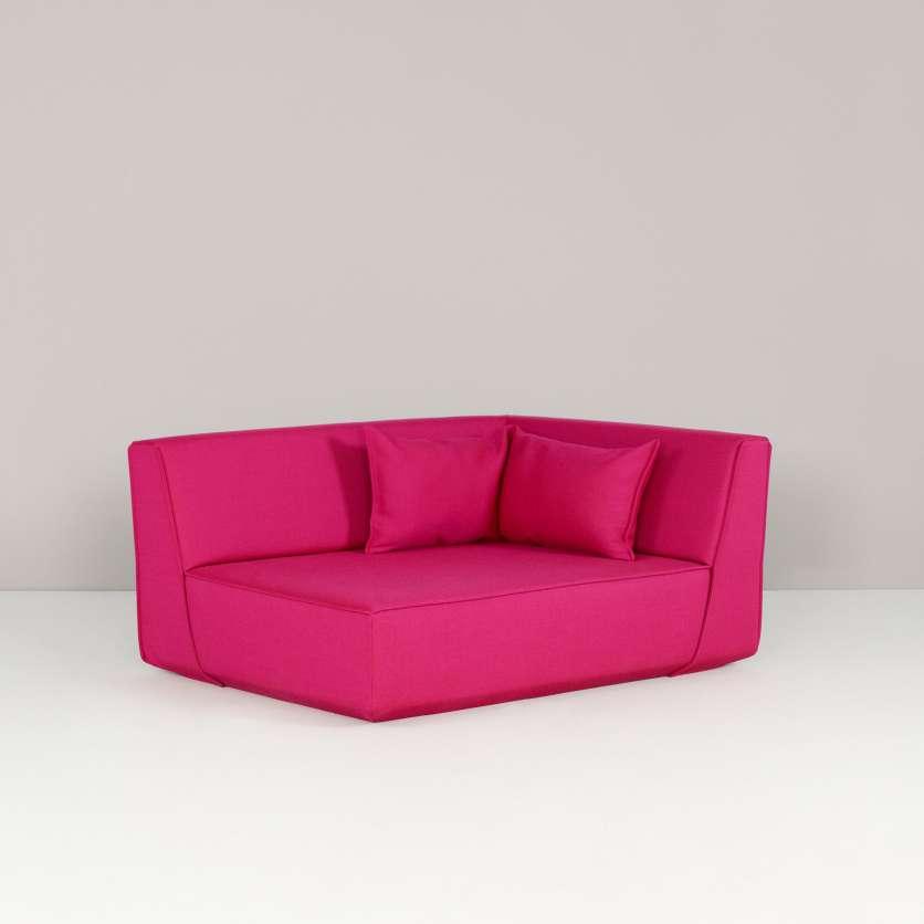 Divano angolare rosa vivace