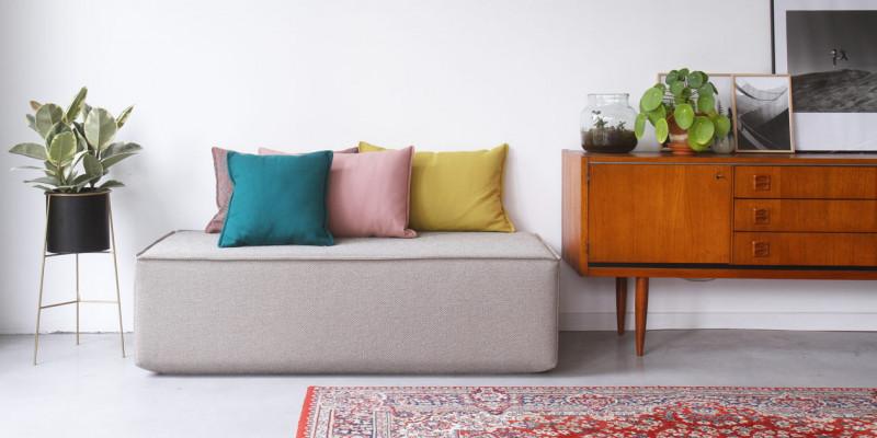 Hocker für modulares Sofa