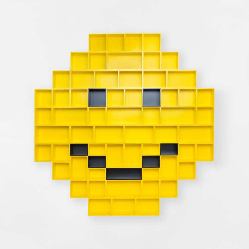 Smiley wall-mounted shelving unit