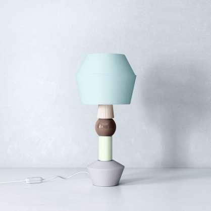 Lampada da tavolo modulare nel design scandinavo