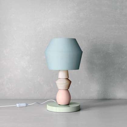 Modulare Tischlampe in Pastelltönen