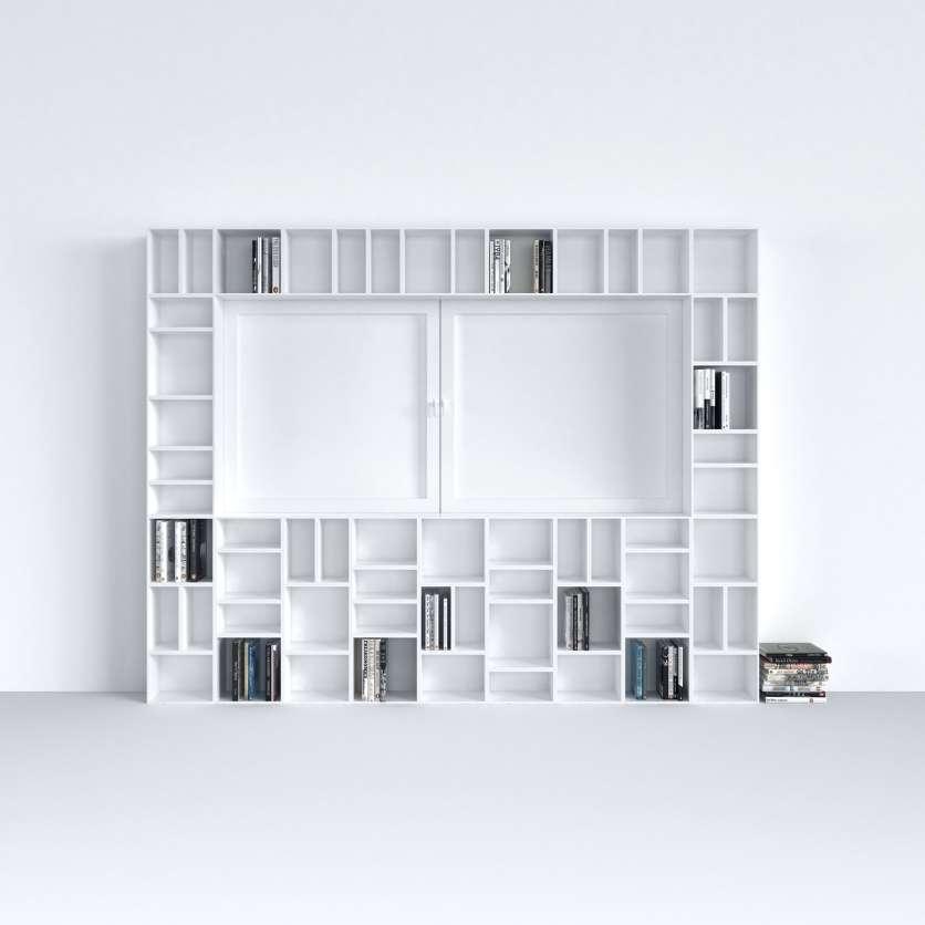 Sistema modulare di scaffali in bianco